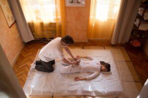 yumeiho-masszazs-budapest-mozgasszervi-problema-nyakfajas-gerinc-hatfajas-derekfajas-tartasjavitas-02